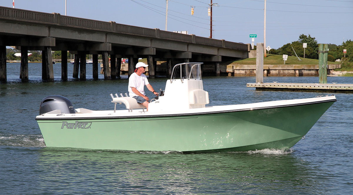 2017 2 Inshore Fishing Boats Parker 21SE With Colored Hull