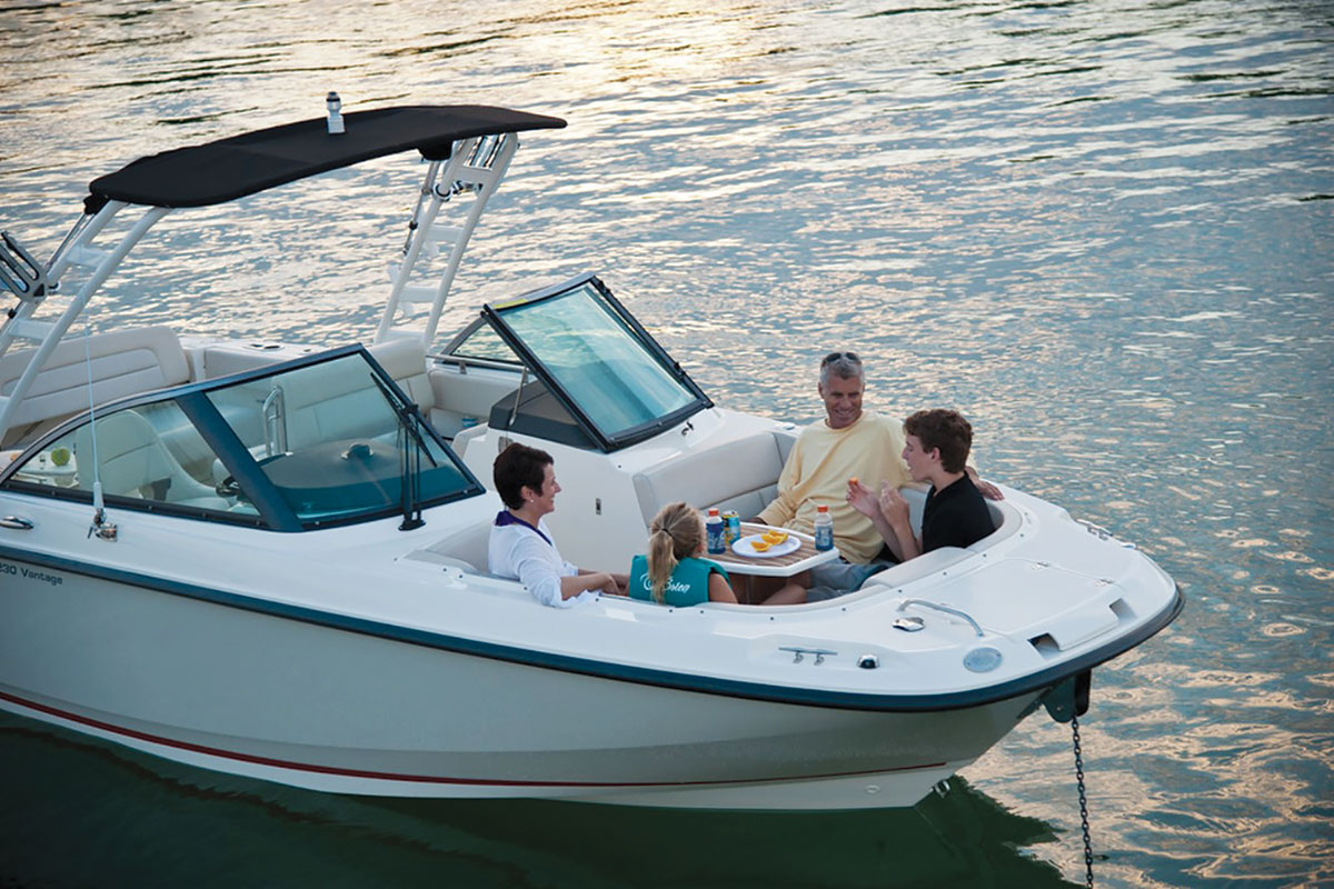 Family Fishing BoatsWhaler 230 Vantage Family Time