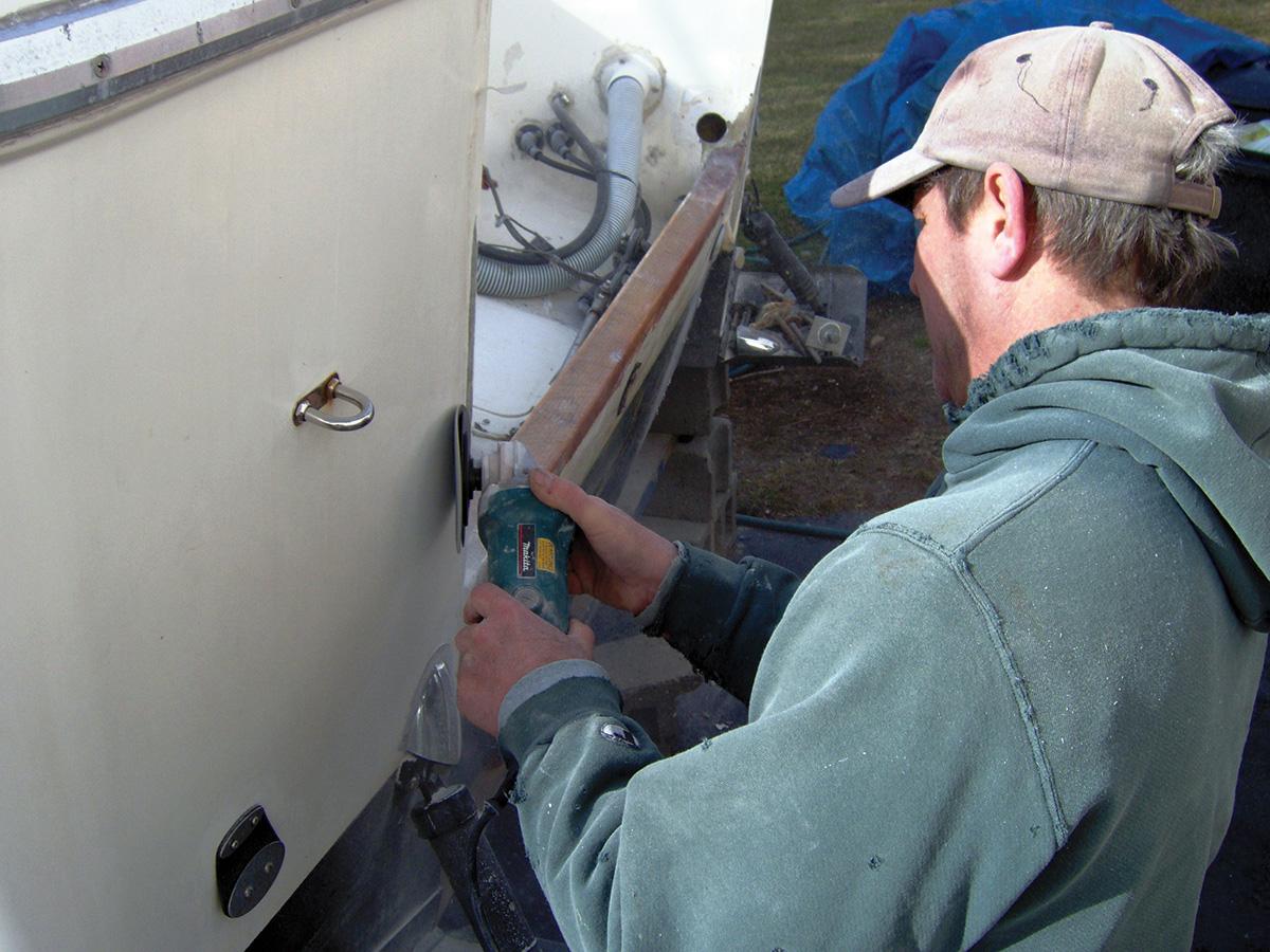 2018 3 Basic Fiber Glass Repairs Chris Martin Grinding Transom Repair 1