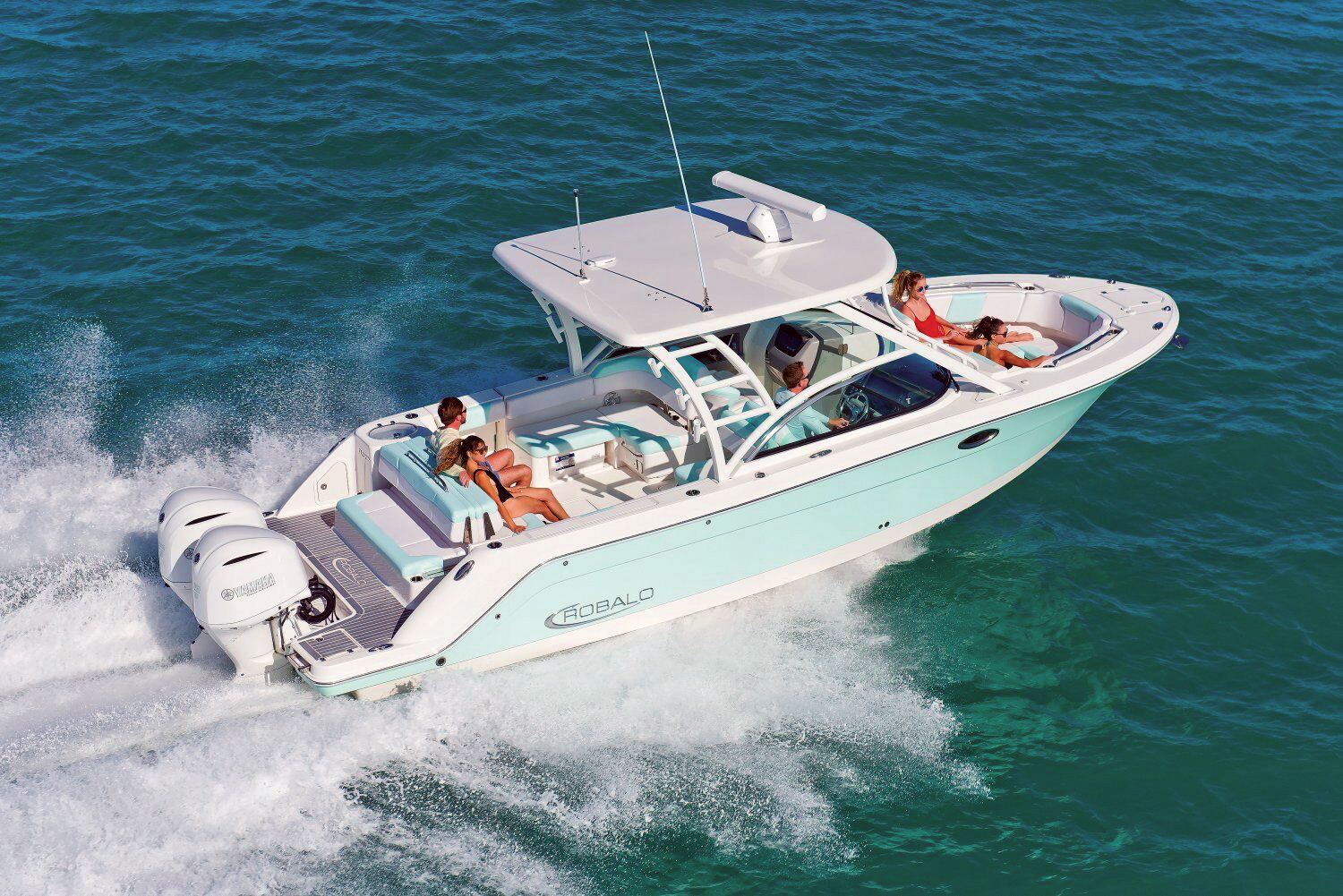2018 1 Buyers Guide Robalo R317 DC Preview